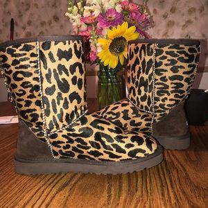 Women's size 8 cheetah ugg boots